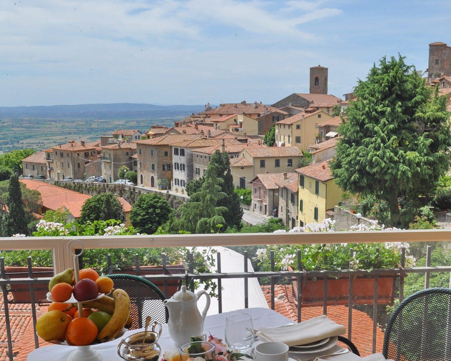 Cortona photography course hotel